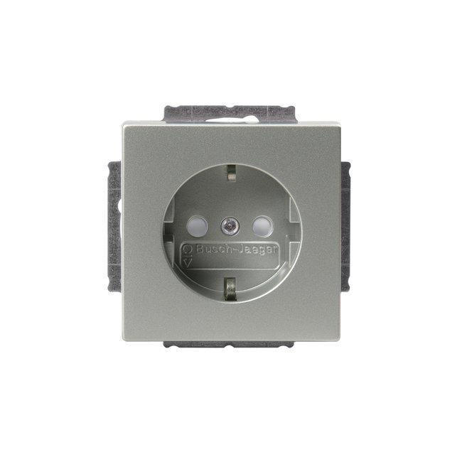 Pistorasia Impressivo 1S/16A/IP21 UKJ 0X alumiini